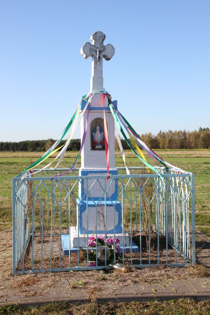 2019-10-20 Nieznamierowice kapliczka nr2 (5)