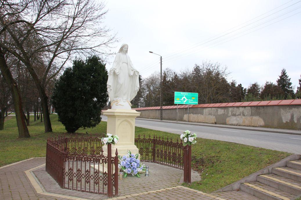 2019-12-29 Nowe Miasto kapliczka nr2 (12)