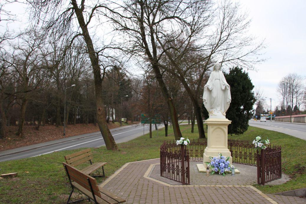 2019-12-29 Nowe Miasto kapliczka nr2 (13)