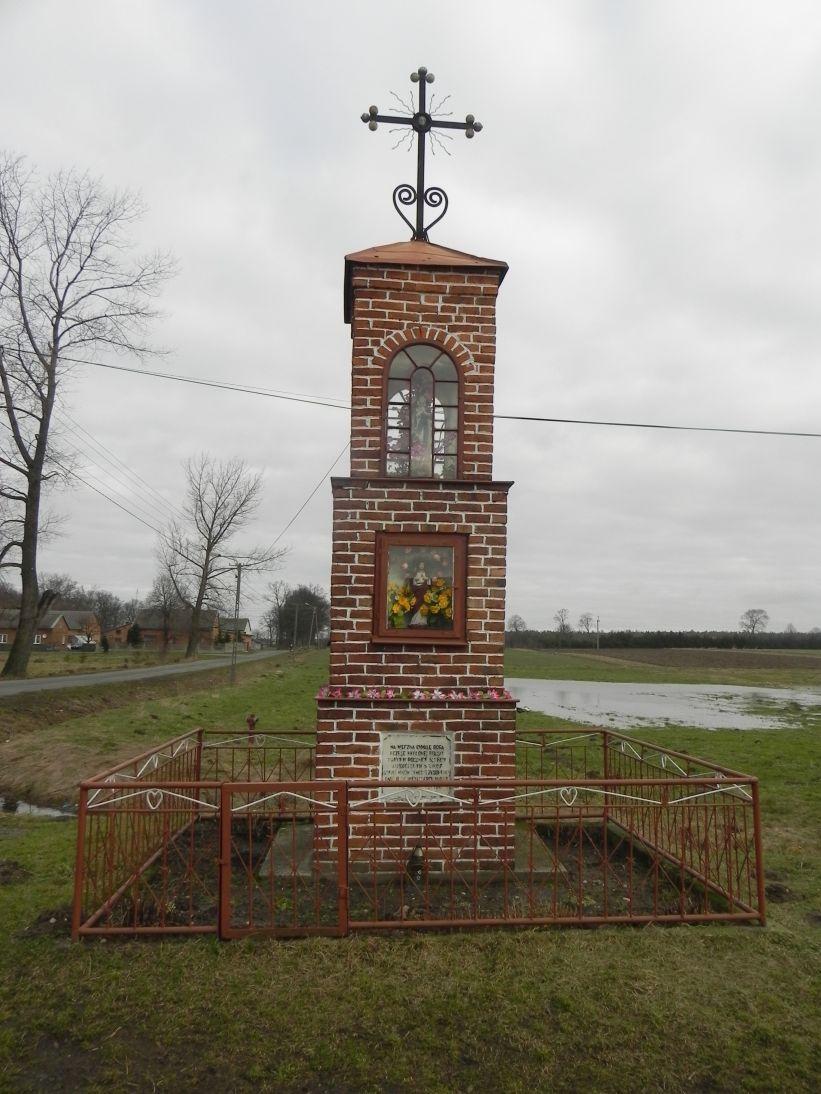 2011-02-09 Chociw kapliczka nr1 (9)