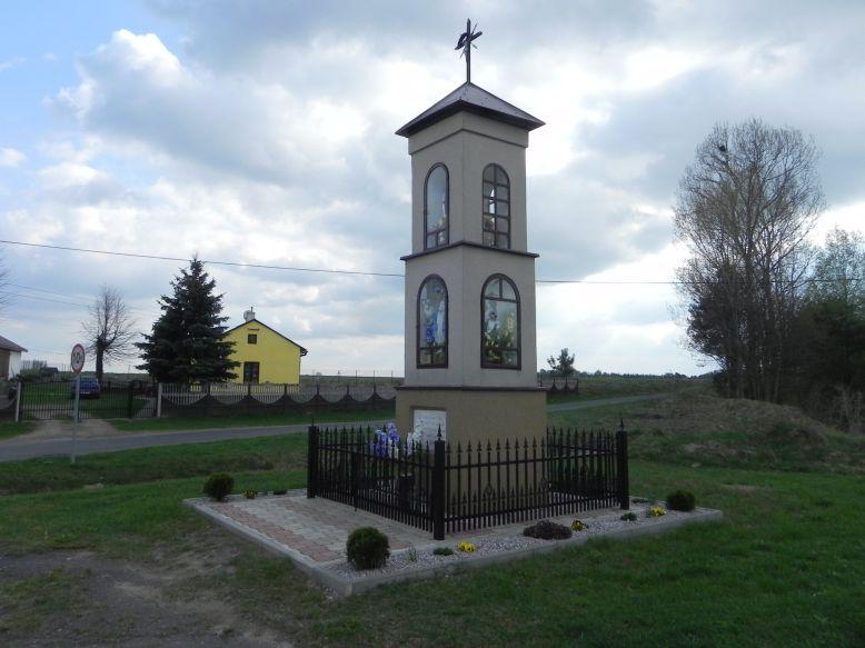 2018-04-17 Chociw kapliczka nr2 (14)