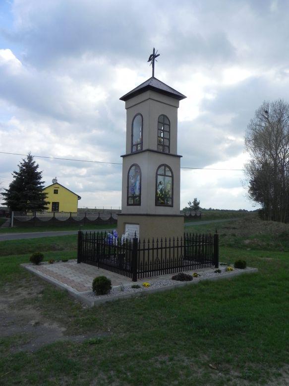 2018-04-17 Chociw kapliczka nr2 (15)