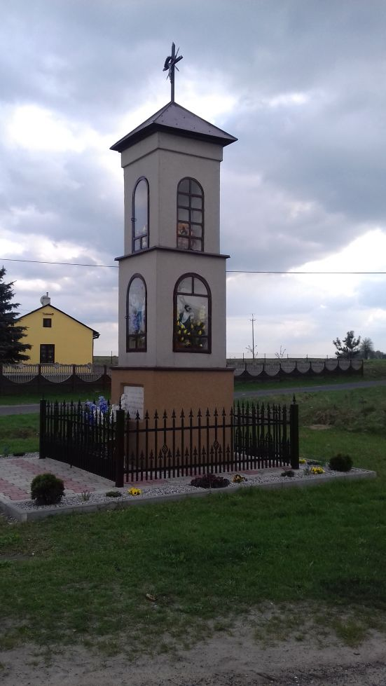 2018-04-17 Chociw kapliczka nr2 (8)