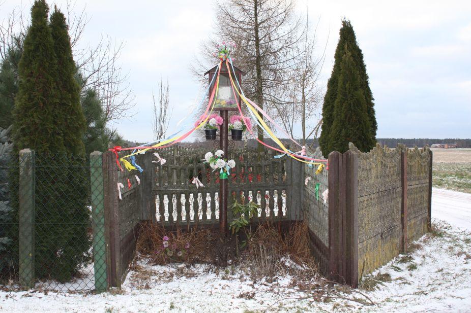 2019-01-15 Chociw kapliczka nr4 (5)