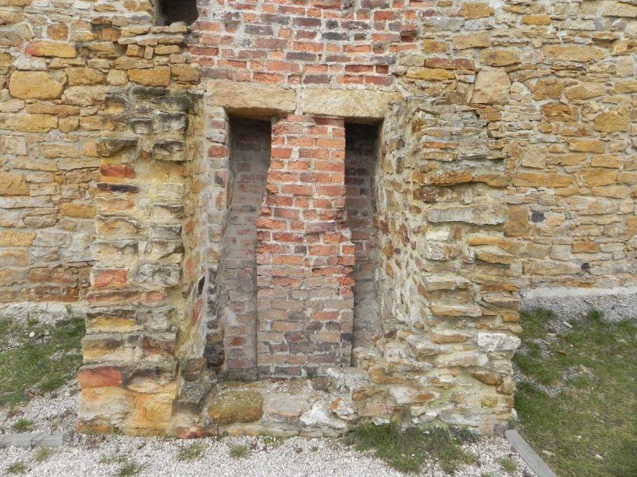 2017-01-01 Inowłódz - Ruiny zamku (11)