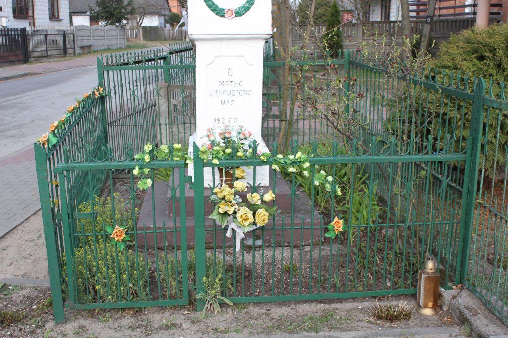 2019-04-07 Odrzywół kapliczka nr1 (3)