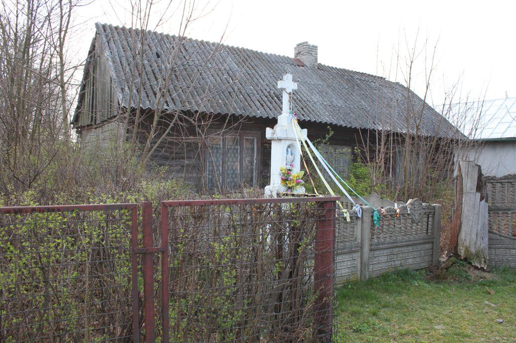 2019-04-07 Odrzywół kapliczka nr2 (13)