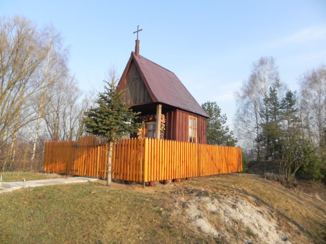 2012-03-25 Chociwek - kapliczkanr1 (10)