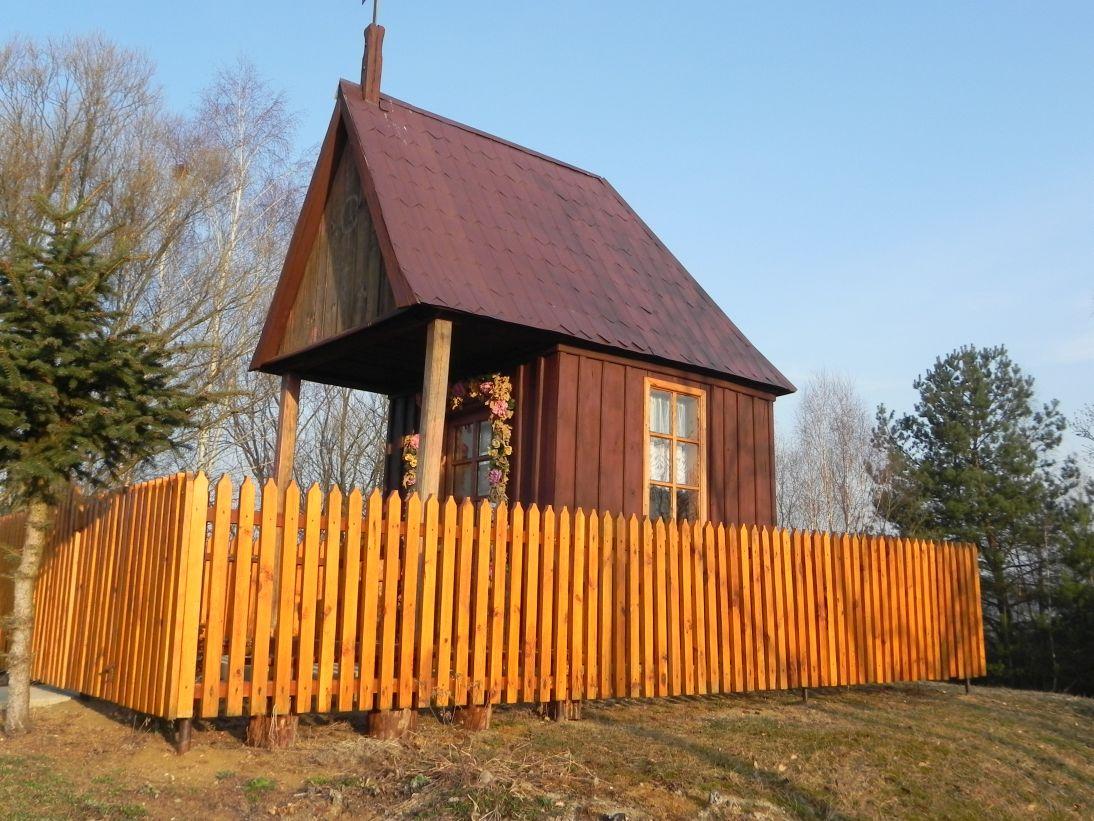 2012-03-25 Chociwek - kapliczkanr1 (2)
