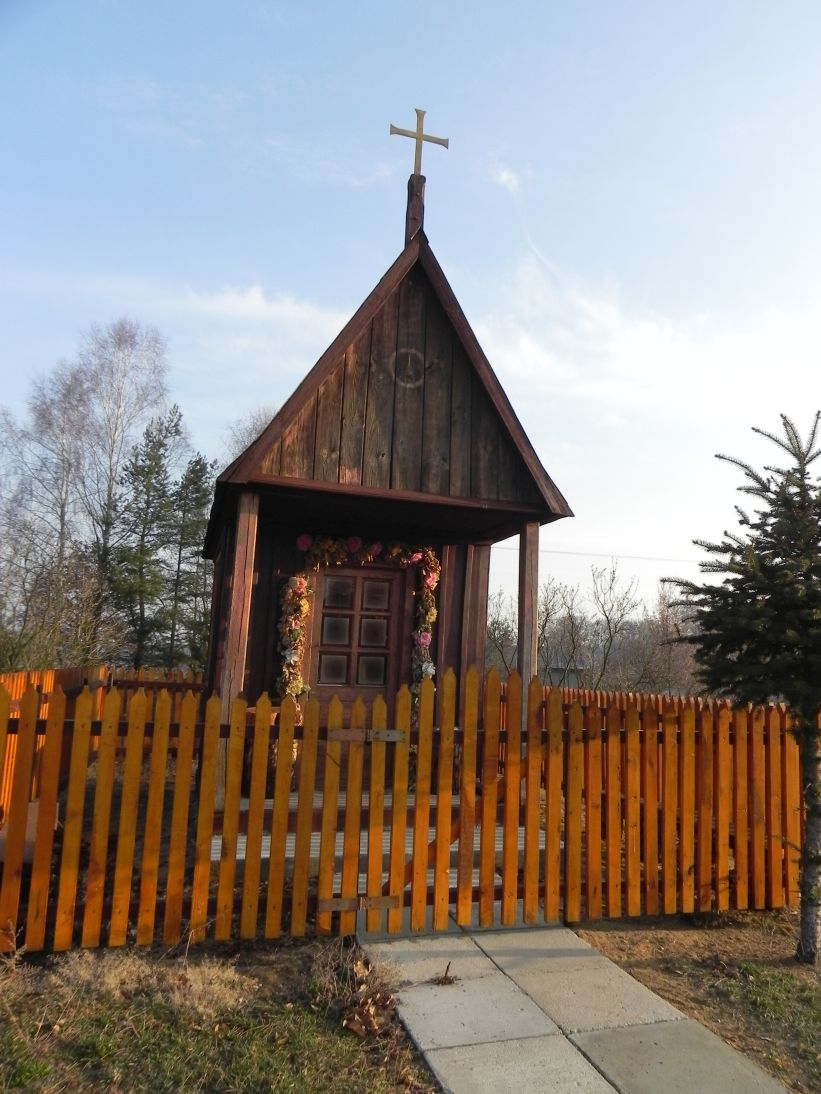 2012-03-25 Chociwek - kapliczkanr1 (3)