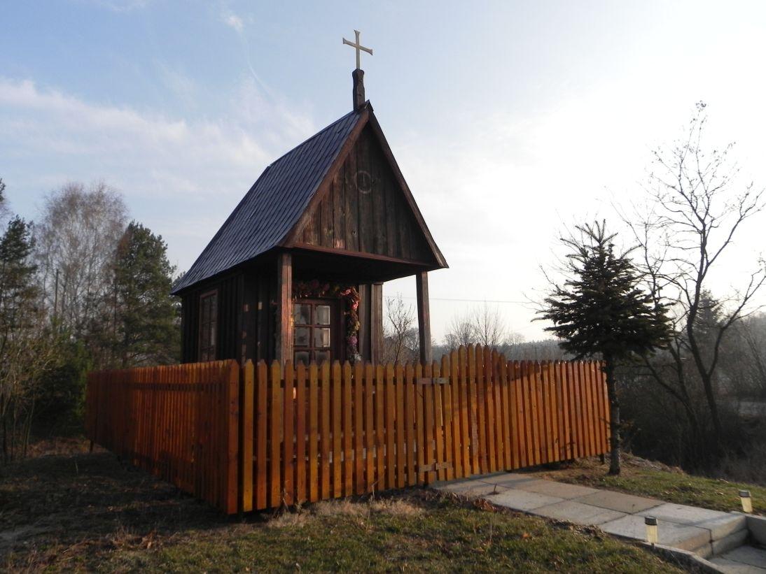 2012-03-25 Chociwek - kapliczkanr1 (5)