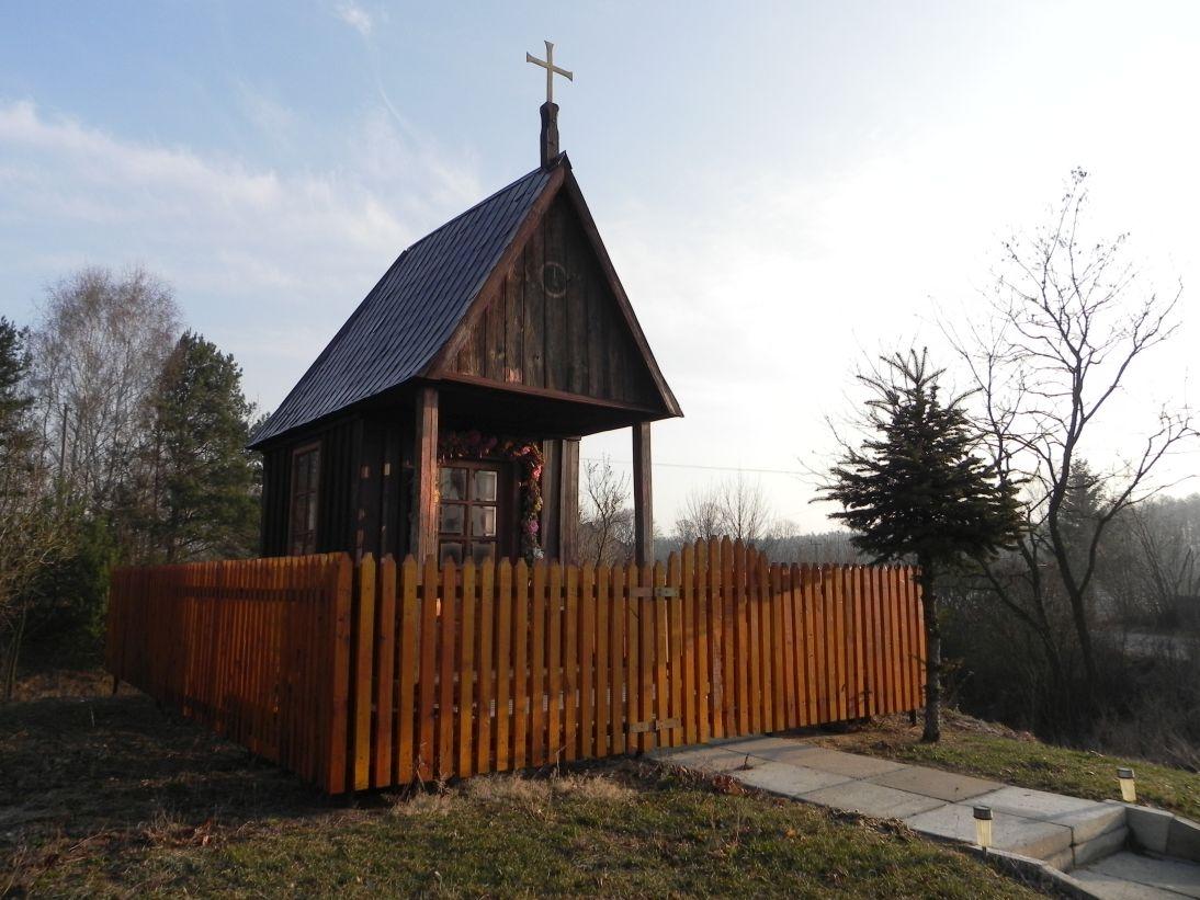 2012-03-25 Chociwek - kapliczkanr1 (6)