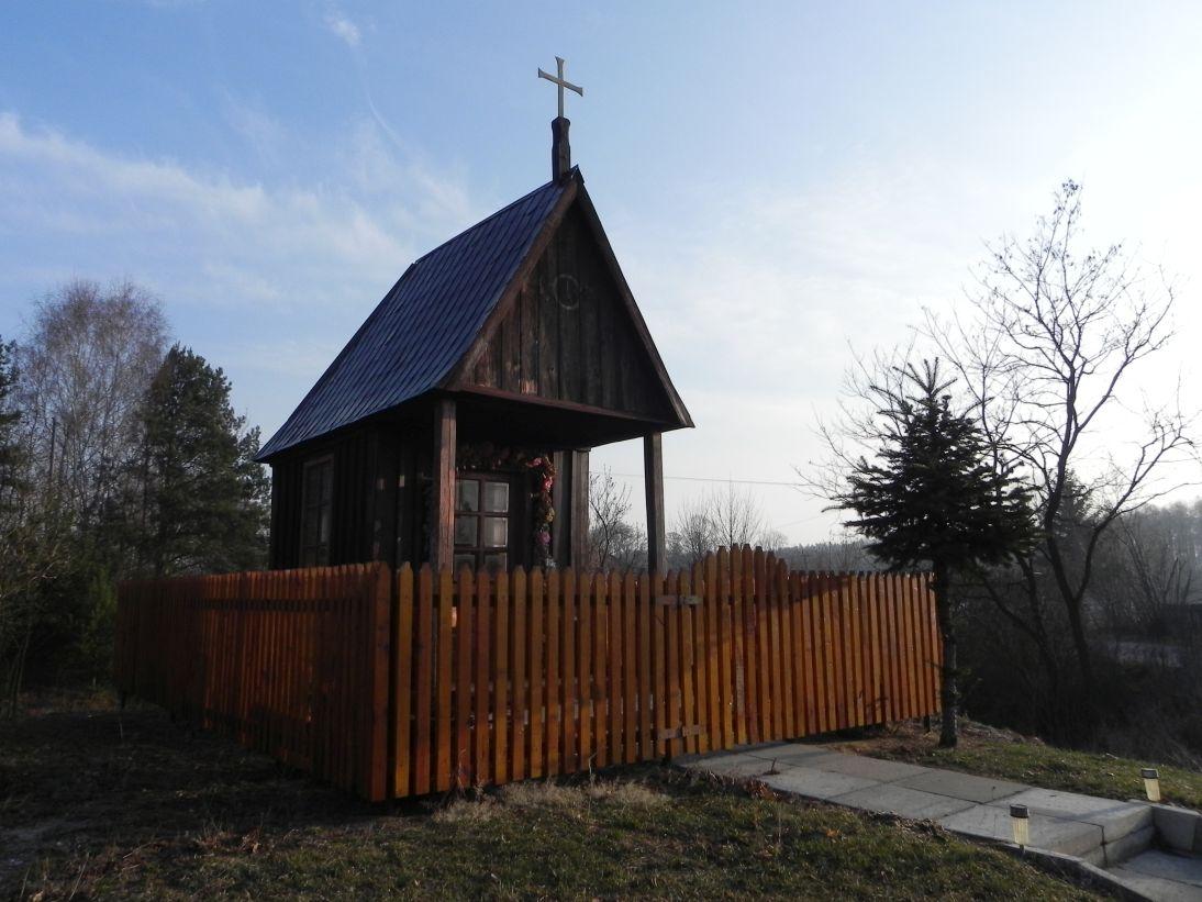 2012-03-25 Chociwek - kapliczkanr1 (7)