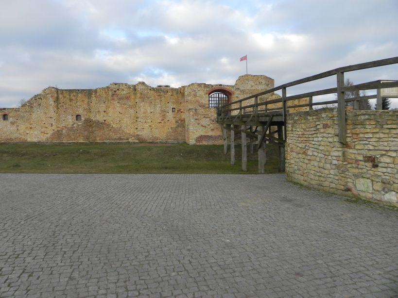 2018-01-14 Inowłódz - ruiny zamku (12)
