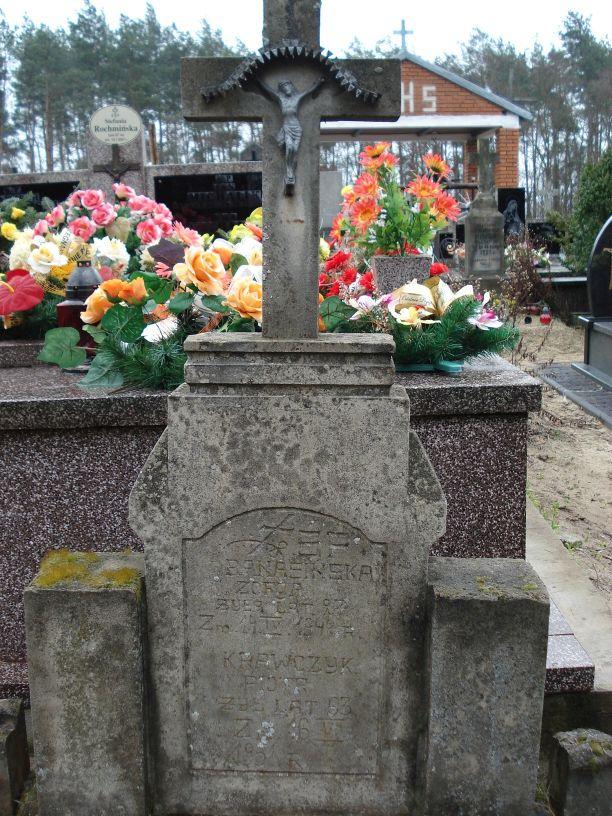 2007-03-18 Lewin - cmentarz parafialny (3)