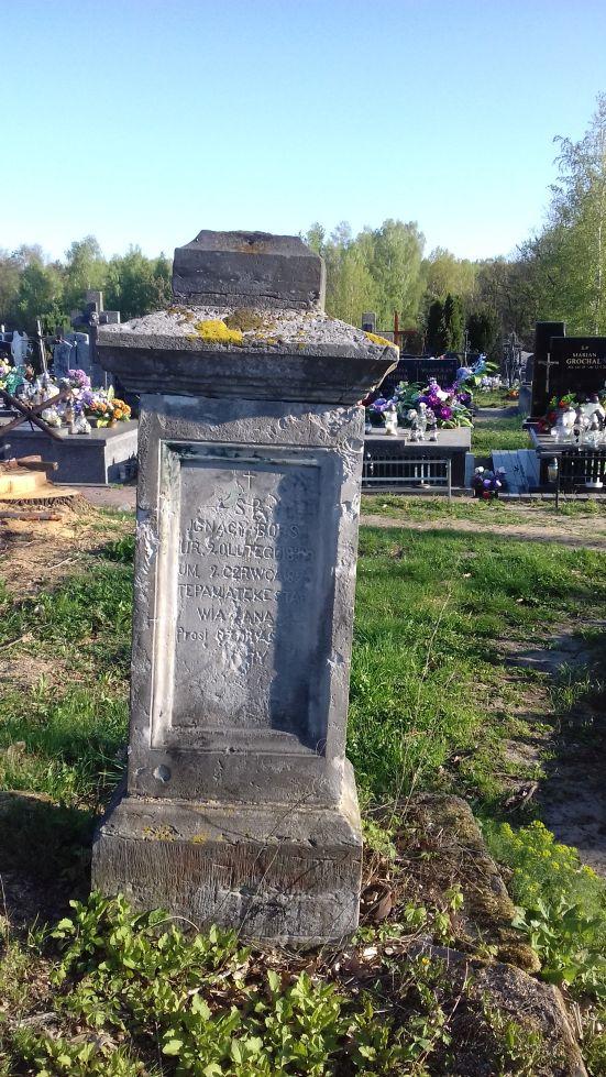 2018-04-22 Łęgonice Duże - cmentarz parafialny (11)