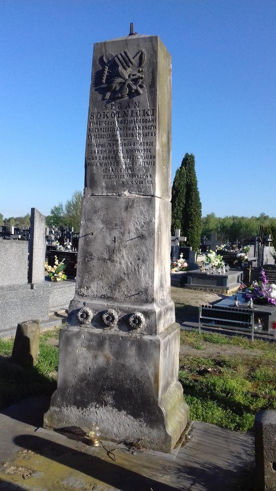 2018-04-22 Łęgonice Duże - cmentarz parafialny (16)