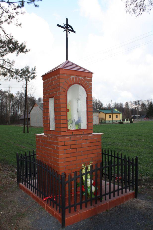 2019-01-03 Chrusty kapliczka nr1 (8)