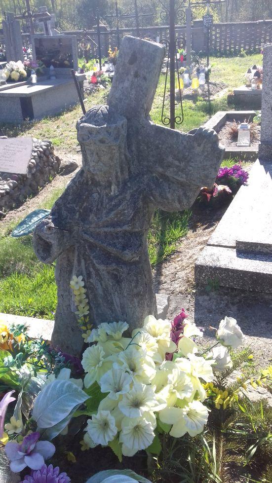 2018-04-22 Łęgonice Małe - cmentarz parafialny (13)