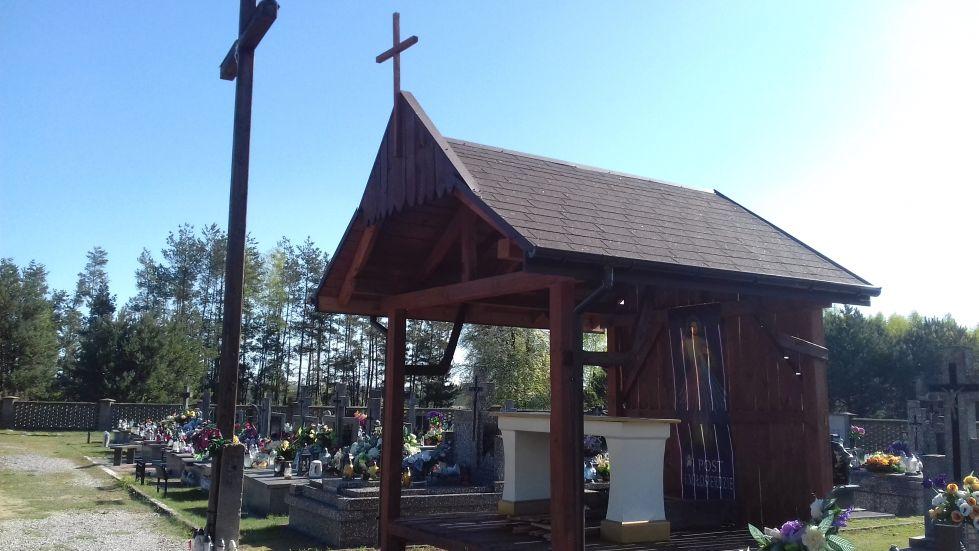 2018-04-22 Łęgonice Małe - cmentarz parafialny (2)