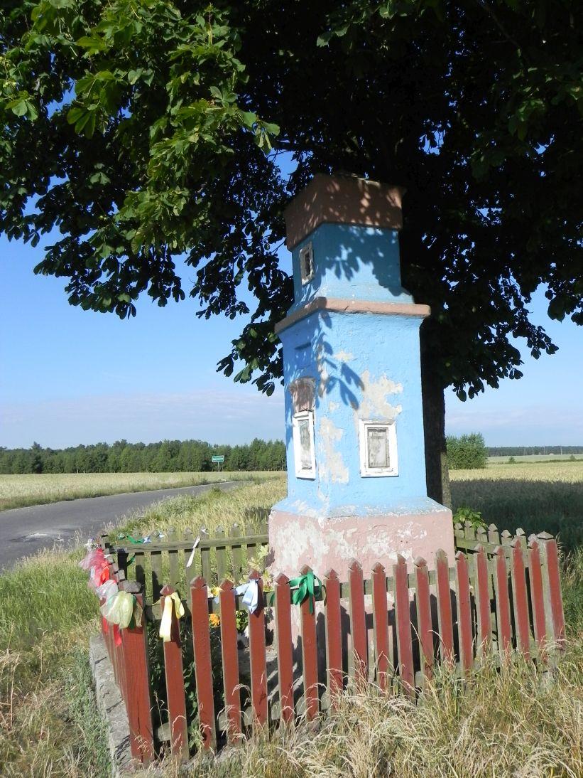 2011-06-26 Dzielnica kapliczka nr1 (5)