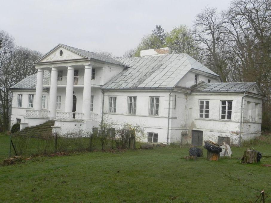 2017-04-09 Łęgonice - dworek (1)