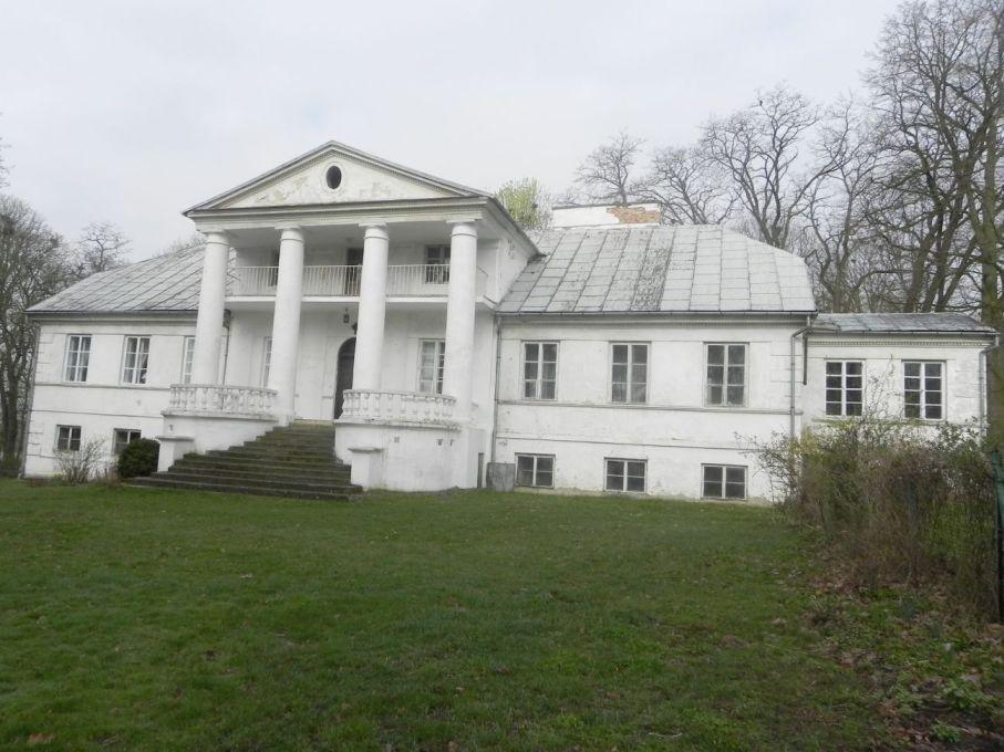 2017-04-09 Łęgonice - dworek (3)