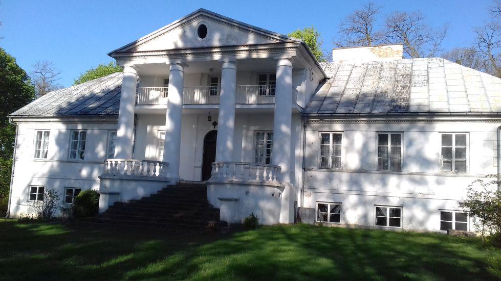 2018-04-22 Łęgonice Duże - pałac (11)