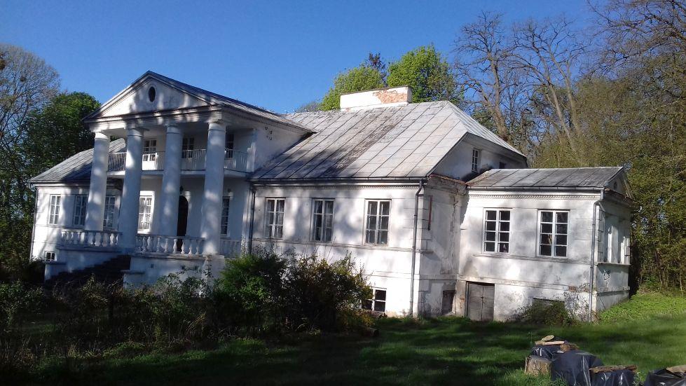 2018-04-22 Łęgonice Duże - pałac (8)