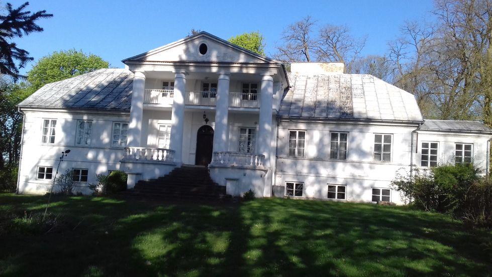 2018-04-22 Łęgonice Duże - pałac (9)