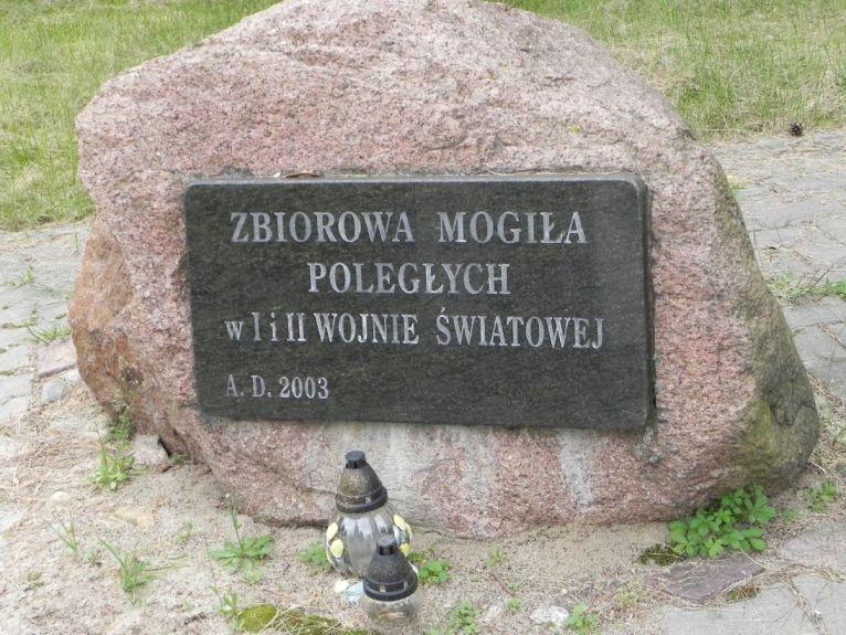 2011-08-15 Łęgonice Nowe - cm. z I wojny (1)