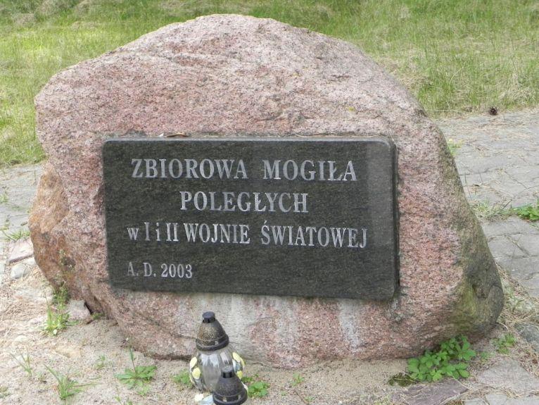 2011-08-15 Łęgonice Nowe - cm. z I wojny (3)
