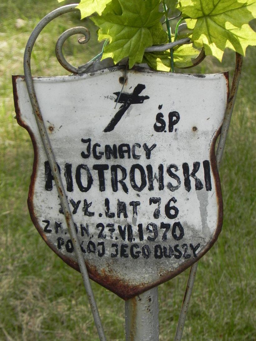 2011-08-15 Łęgonice Nowe - cm. z I wojny (7)