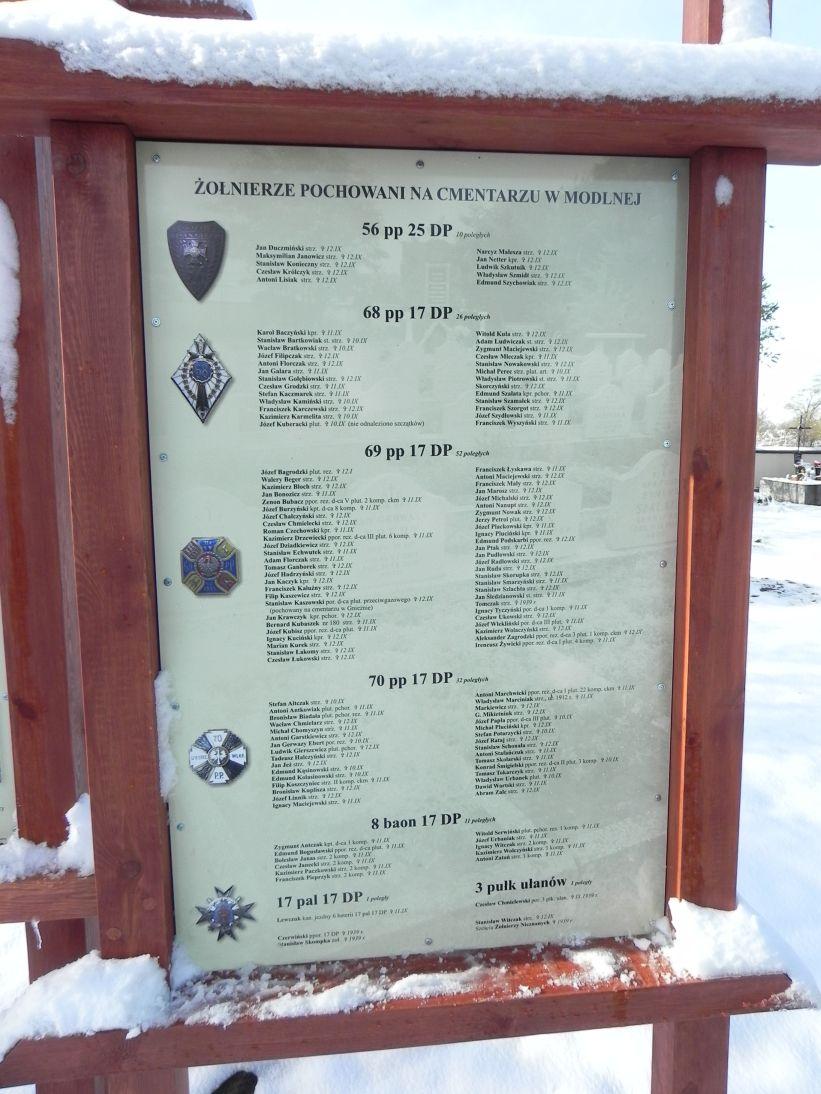 2012-10-28 Modlna - cmentarz parafialny (15)