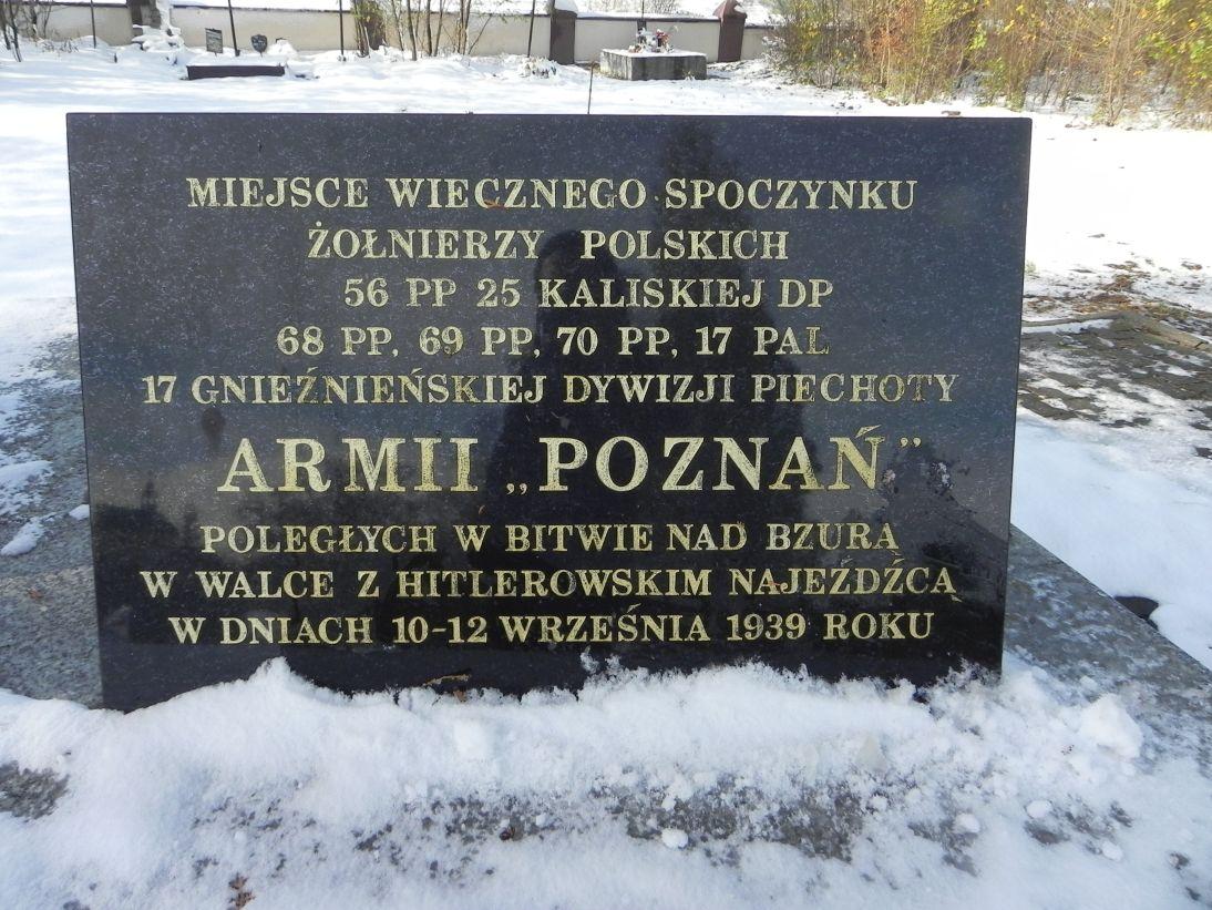 2012-10-28 Modlna - cmentarz parafialny (17)