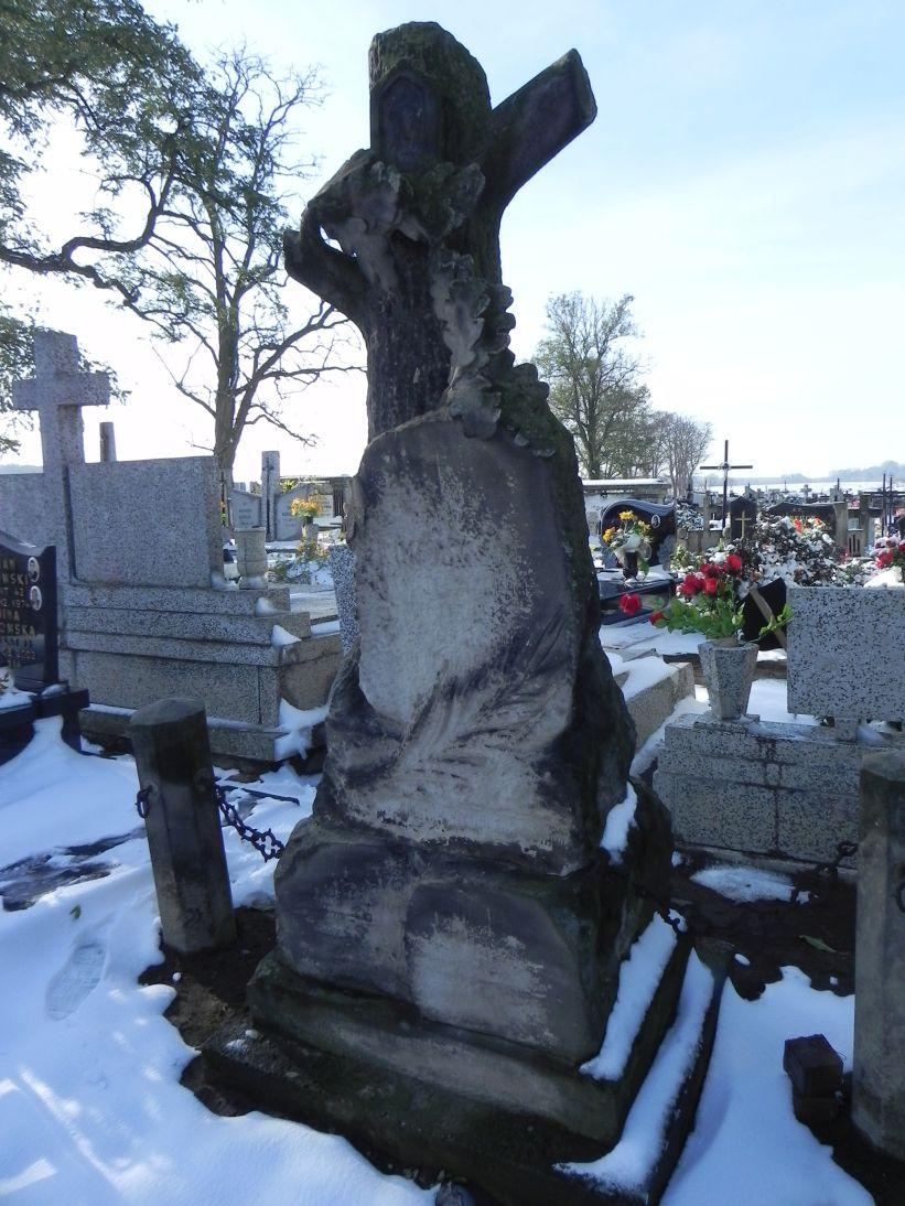 2012-10-28 Modlna - cmentarz parafialny (22)