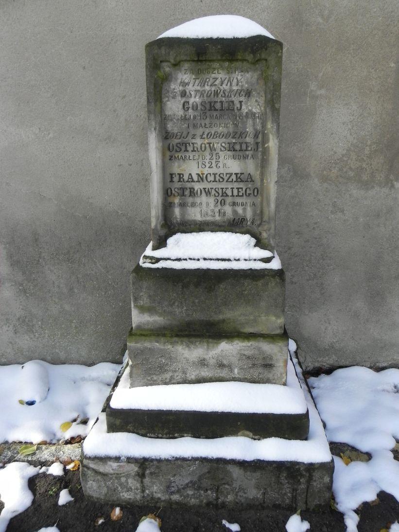 2012-10-28 Modlna - cmentarz parafialny (4)