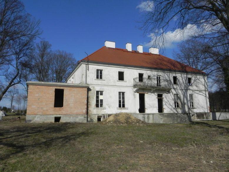 2018-04-05 Bartoszówka - pałac (20)