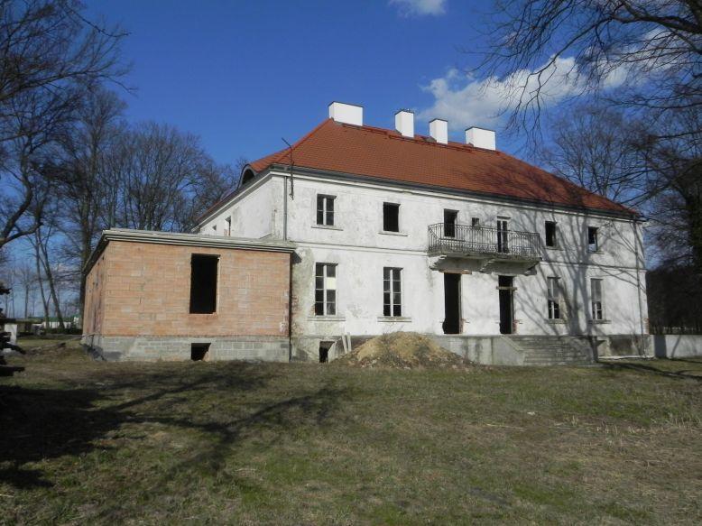 2018-04-05 Bartoszówka - pałac (22)