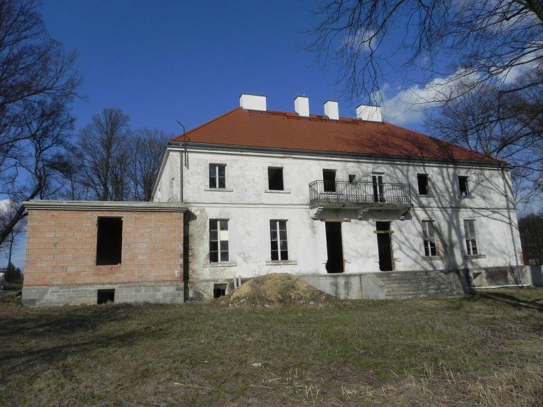 2018-04-05 Bartoszówka - pałac (23)