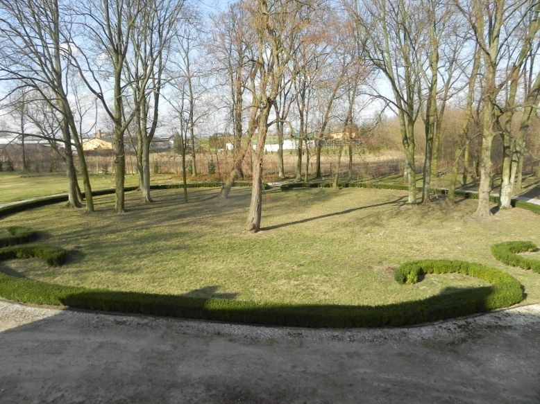 2018-04-05 Bartoszówka - pałac (32)
