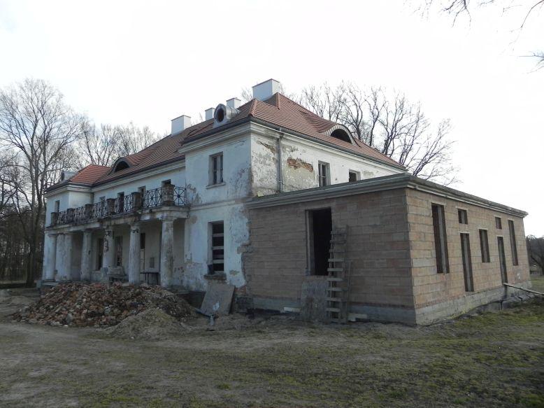 2018-04-05 Bartoszówka - pałac (52)