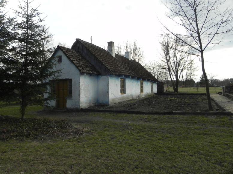 2018-04-05 Bartoszówka - pałac i stary dom (10)