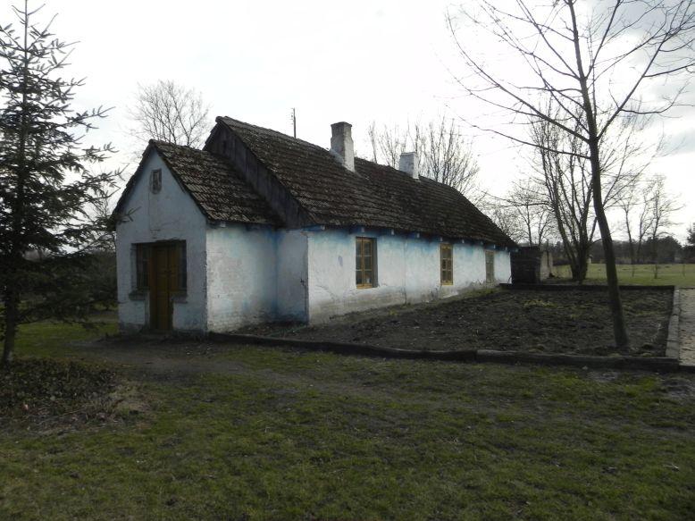 2018-04-05 Bartoszówka - pałac i stary dom (11)