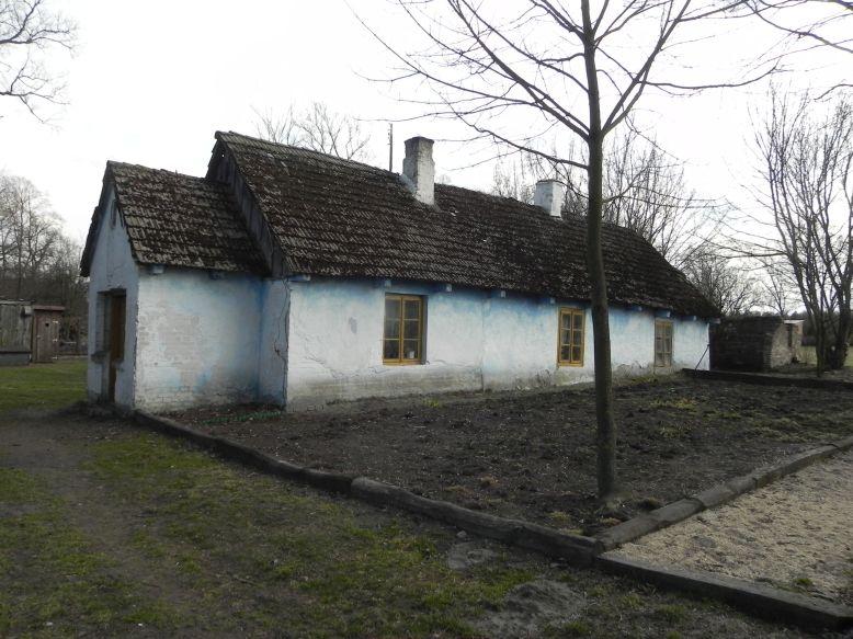 2018-04-05 Bartoszówka - pałac i stary dom (14)