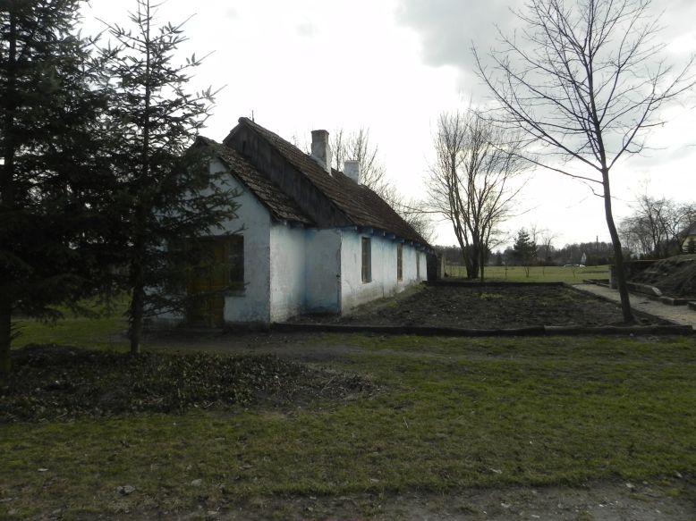 2018-04-05 Bartoszówka - pałac i stary dom (9)