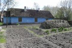 2016-04-17 Bartoszówka - pałac i stary dom (2)