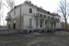 2018-04-05 Bartoszówka - pałac (15)