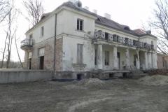 2018-04-05 Bartoszówka - pałac (16)
