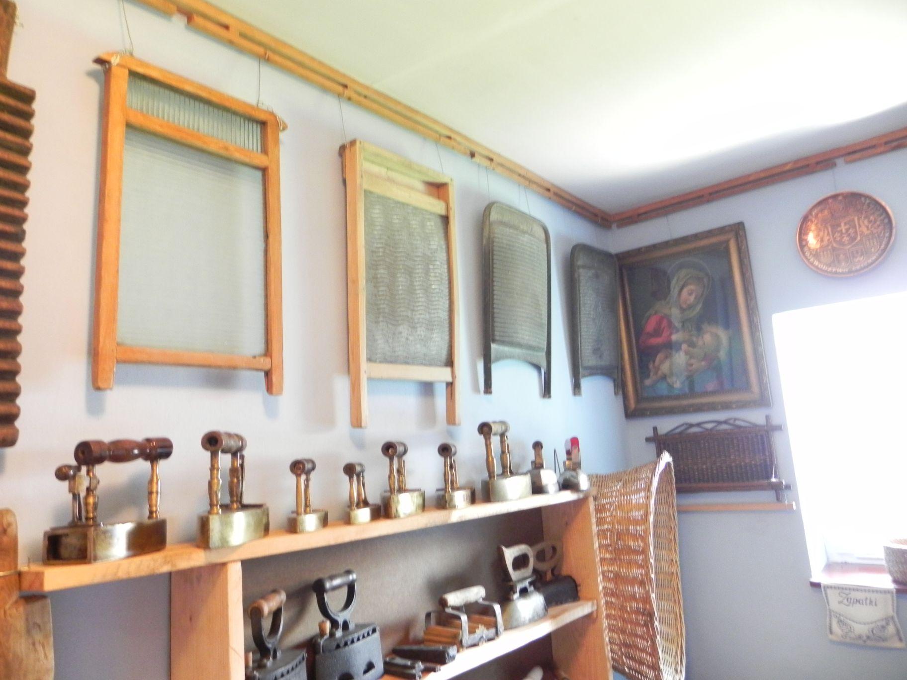 2012-05-03 Lipce Reymontowskie - galeria staroci (18)
